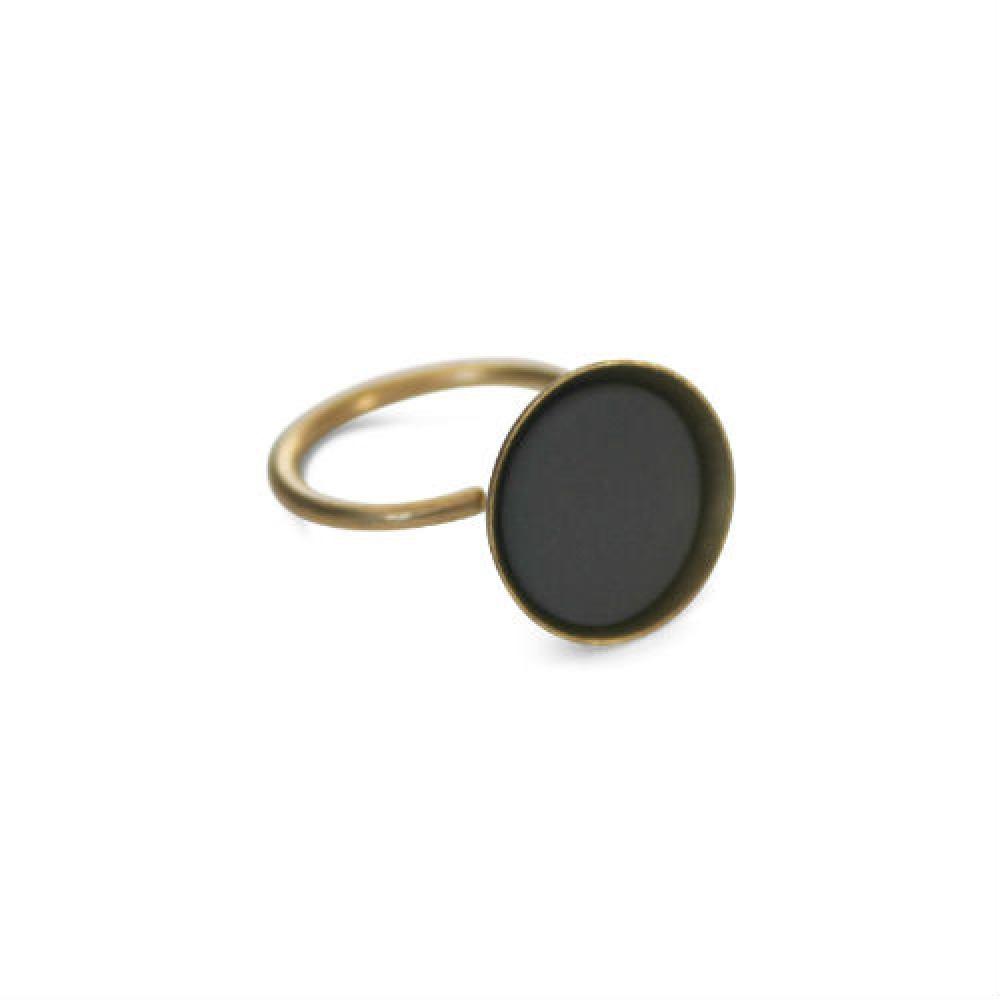 https://www.selecteddesigners.dk/media/catalog/product/o/h/ohdeer-bowl-ring-moerkegraa_1.jpg