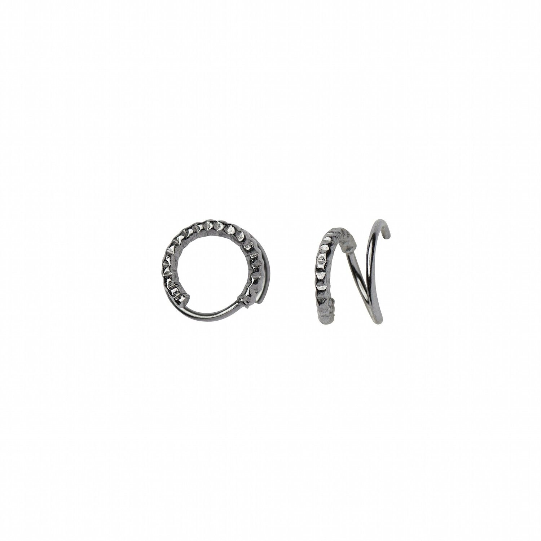 https://www.selecteddesigners.dk/media/catalog/product/1/0/1034_01_r_tinsel_curl_earring.jpg