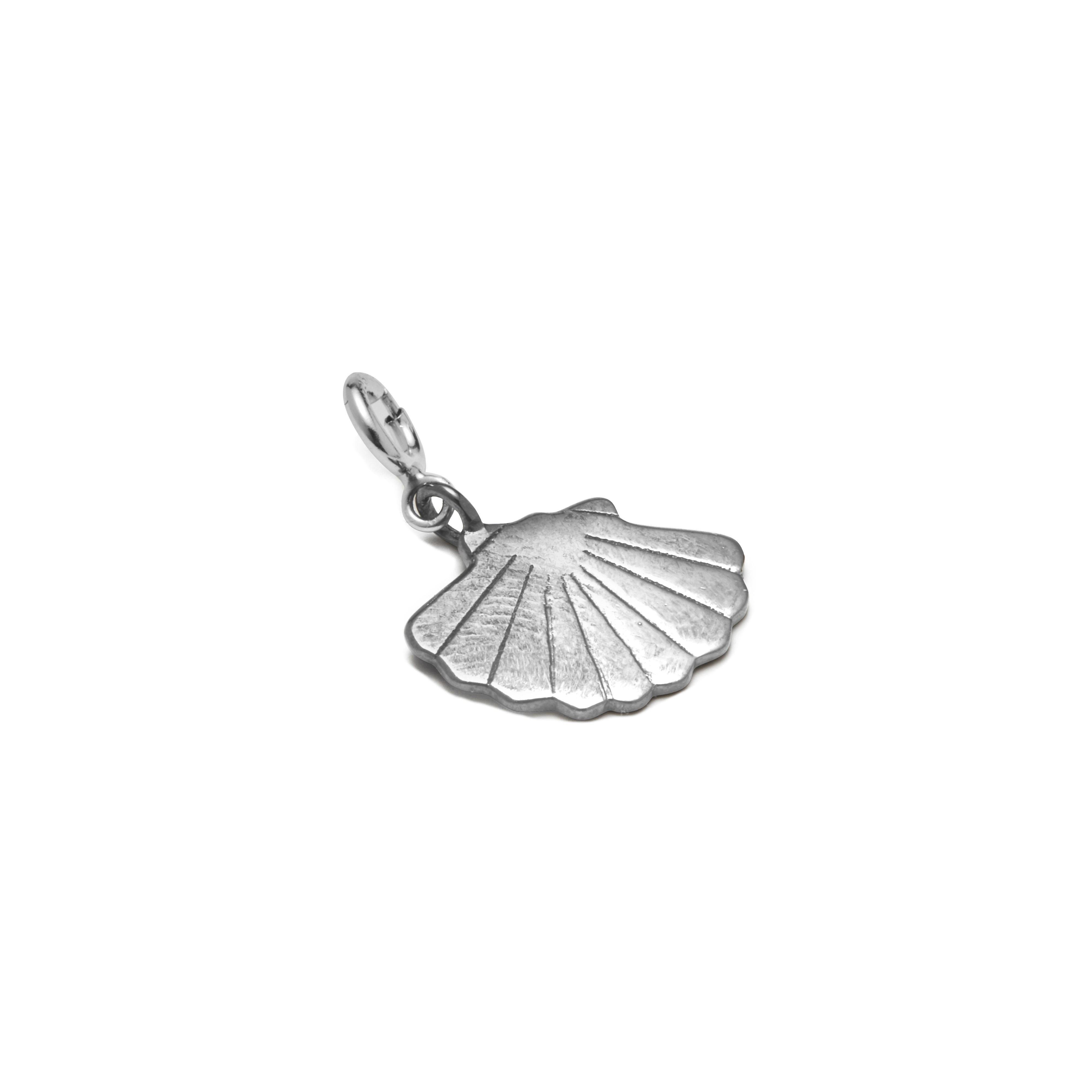 https://www.selecteddesigners.dk/media/catalog/product/h/a/hangon_05-01_ocean_silver.jpg