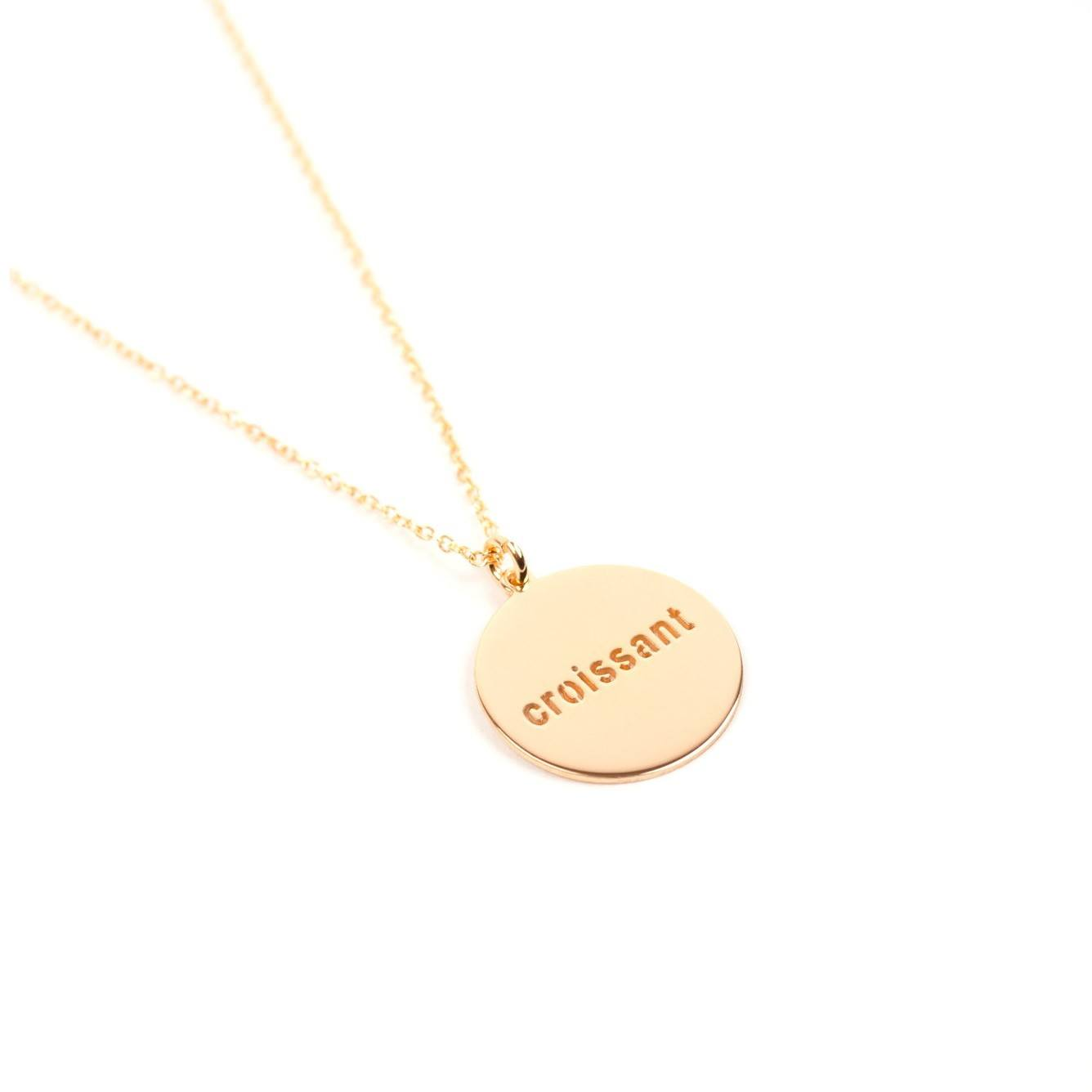 https://www.selecteddesigners.dk/media/catalog/product/j/u/jukserei-croissant-round-necklace-website.jpg