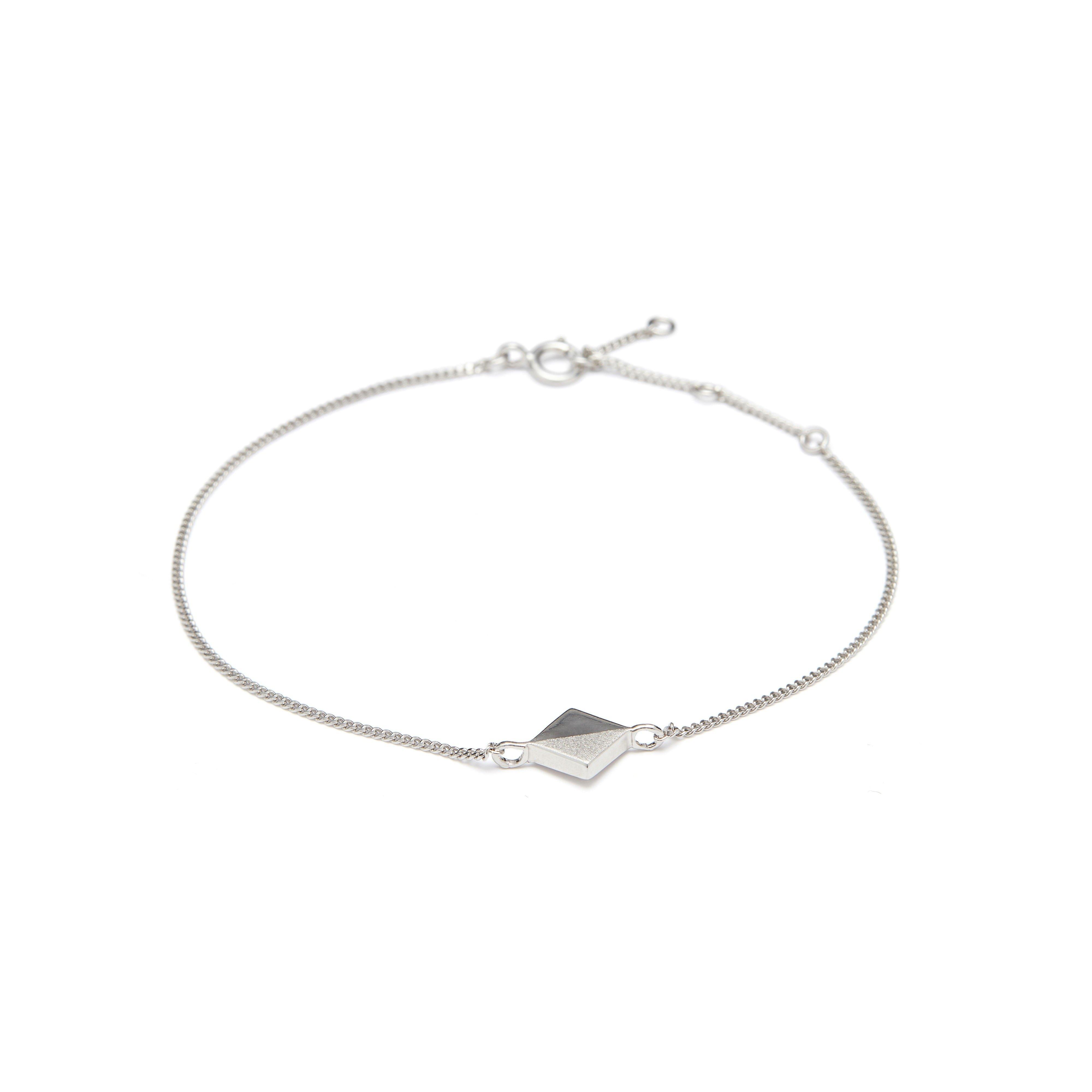 https://www.selecteddesigners.dk/media/catalog/product/p/i/pixel_02-03_silver.jpg