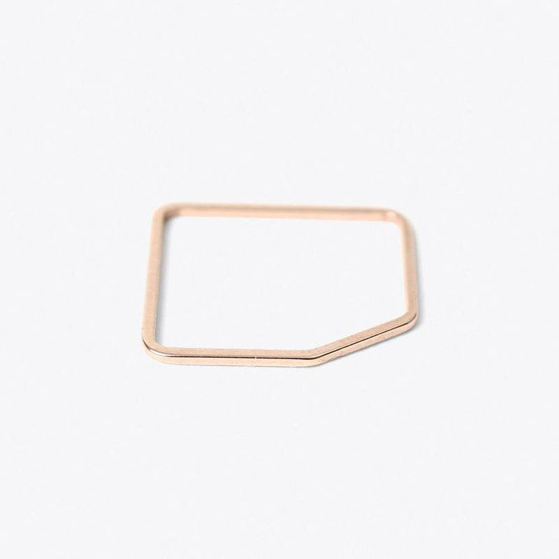 Square Ring with an edge Rose-20